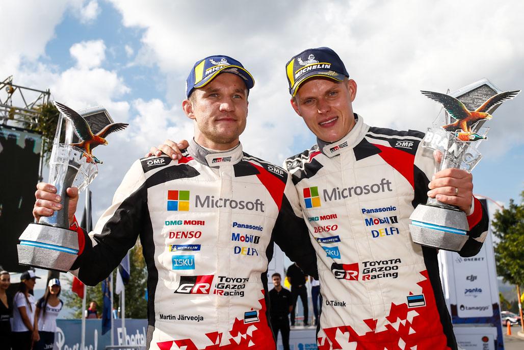 (左から)マルティン・ヤルヴェオヤ、オット・タナック