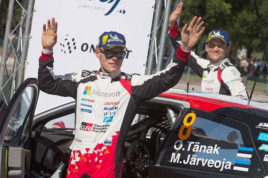 (左から)オィット・タナック、マルティン・ヤルヴェオヤ