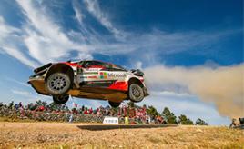 【トヨタ WRC】第8戦3日目、タナックが全SSでベストタイムを刻み首位に立つ ミークは健闘するも総合8位に後退
