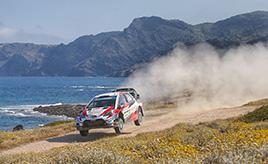 【トヨタ WRC】第8戦最終日、優勝目前のトラブルで総合5位に終わるもタナックがドライバー選手権首位に立つ