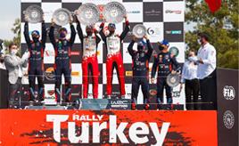 【トヨタ WRC】第5戦最終日、サバイバルラリーを走破したエバンスが今季2勝目をあげ、ドライバー選手権首位に立つ