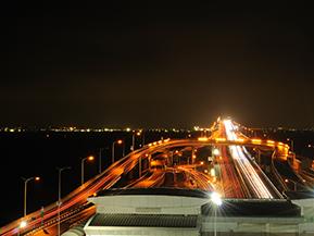日本夜景遺産 「海ほたる」の夜景はなぜきれい?