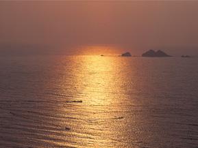 「恋人の聖地」でもある夕日スポットへ秋のドライブ 福井県美浜町