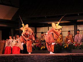 優美なこきりこ祭りやライトアップされた合掌造り集落へドライブ 富山県南砺市