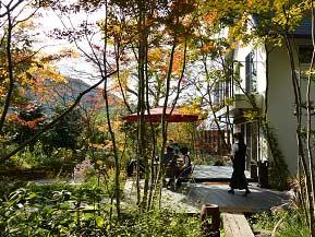 森の中のレストランや、特産品がそろう道の駅へ、初秋のドライブ 大阪府能勢町