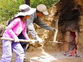 炭焼き体験を楽しむ秋の一日!なべくら高原・森の家へドライブ 長野県飯山市