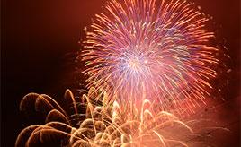 水中花火と打ち上げ花火のコラボは圧巻!丹沢湖花火大会へドライブ 神奈川県山北町