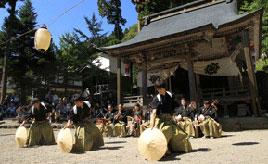 風情ある神社で行われる勇壮な舞!五箇山麦屋まつりへドライブ 富山県南砺市五箇山