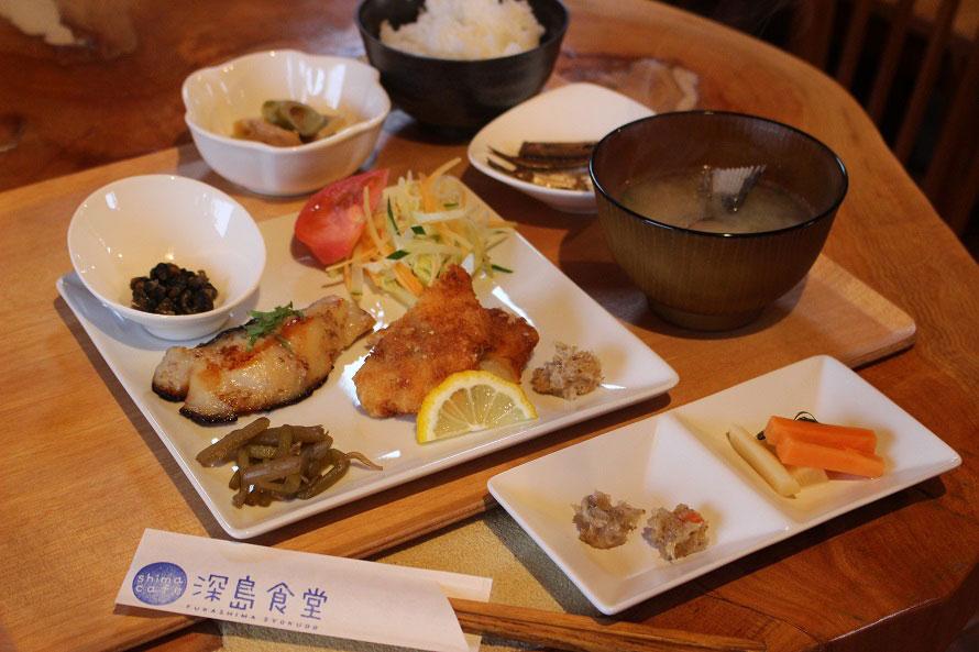 メニューは決まっていないが、食事料金は1000円~(応相談)。ソフトドリンクのみの利用も可。