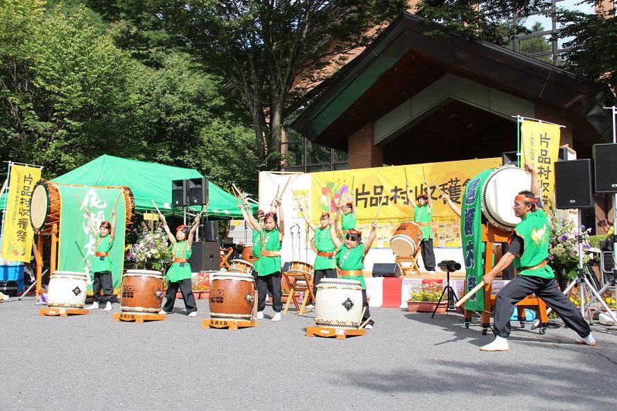 ステージイベントのひとつ、子どもたちによる太鼓演奏。