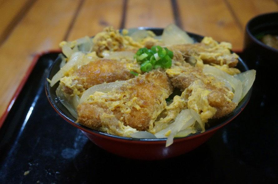 「レストラン みどり」のおすすめメニュー「チョウザメカツ丼」1200円(税込)は要予約。お昼のみ、数量限定。