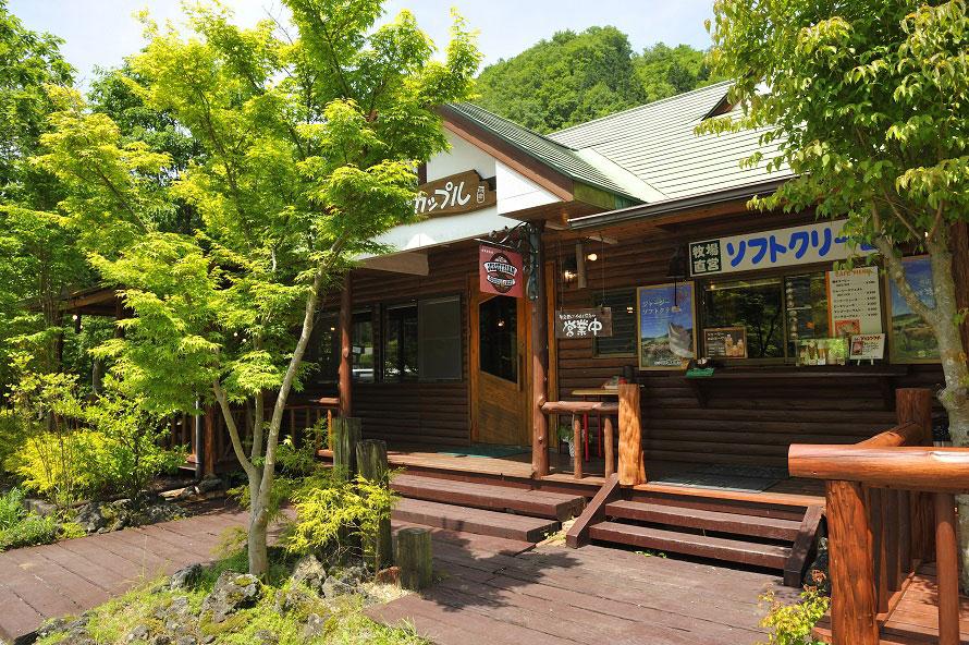 牧場直営のレストランにふさわしい、自然を感じるロケーション。