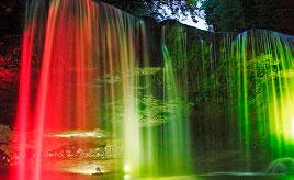 CMのロケ地としても知られる滝のライトアップや杖立温泉鯉のぼり祭りへドライブ 熊本県小国町