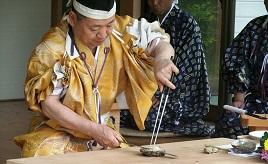 料理の神様・高家神社の庖丁式や、廃校校舎を利用したカフェ・レストランへドライブ 千葉県南房総市