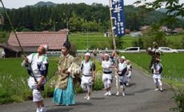 豊作祈願!害虫を追い払う虫送り踊りや、初夏のカキツバタの里へドライブ 広島県北広島町