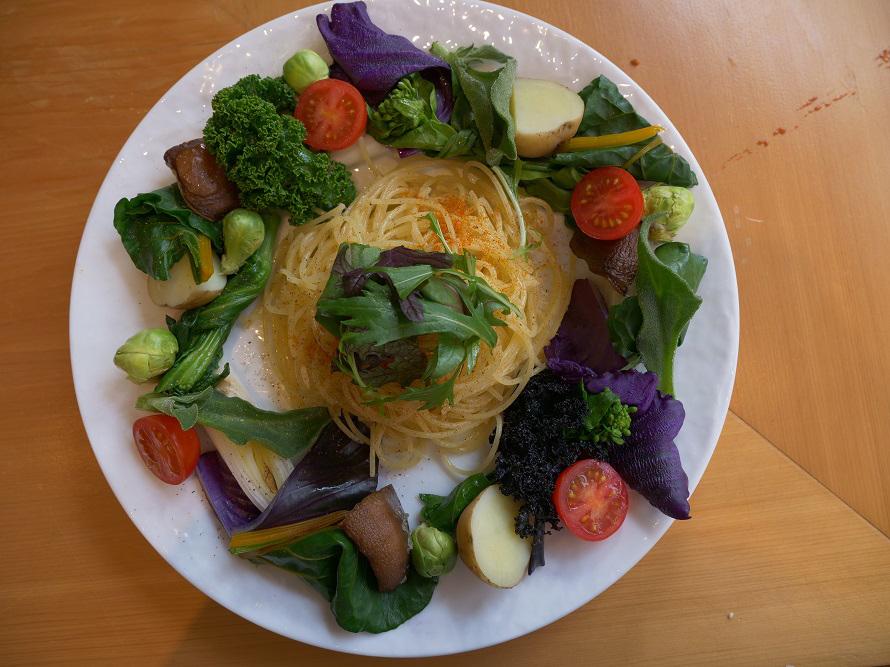邑南野菜を食べるパスタ1200円。