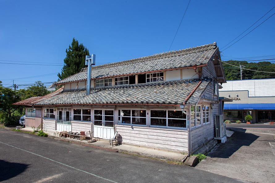 「モンネ・ルギ・ムック」の建物は国の登録有形文化財で、県のまちづくり景観資産にも登録された。