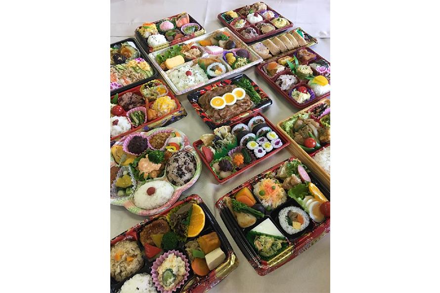 お弁当は土・日曜、祝日に販売。「四季彩弁当」700円、「養生弁当」450円など(写真はイメージ。内容は時期により異なる)。