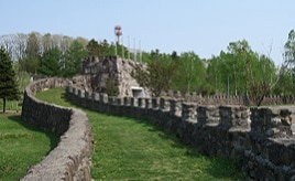 町民手づくりの観光スポット!万里の長城や森の中の五味温泉へドライブ 北海道下川町