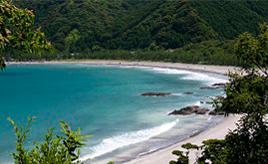 開放的な海へ出発!夏に輝く白砂青松の海岸へドライブ 大分県佐伯市蒲江