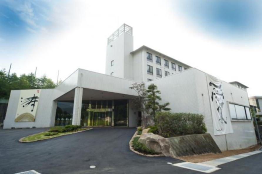 千代田ICから車で約10分とアクセスも便利なホテル。
