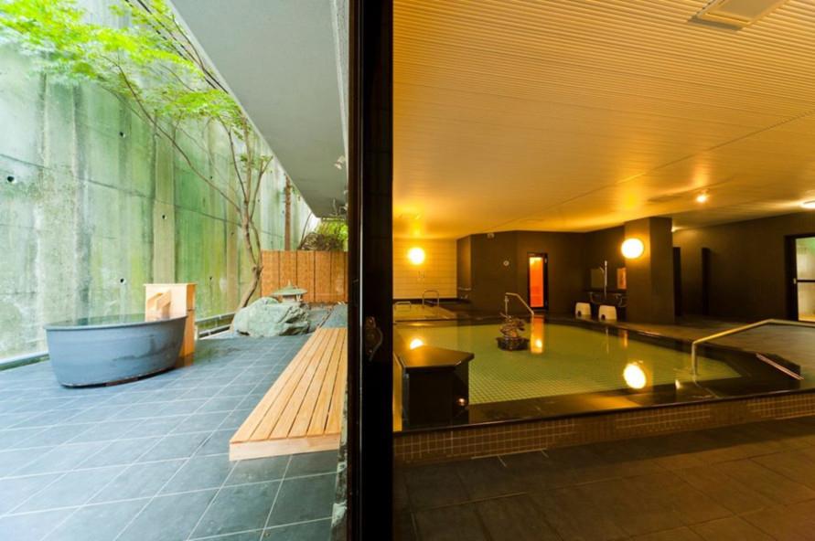 女性用は1階の「龍神の湯」。乳酸菌の湯で、美肌効果が期待できる。露天風呂も完備。