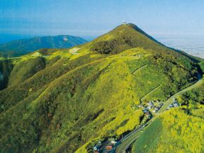 弥彦山スカイラインで爽快な走りを!新潟の観光におすすめのドライブルート