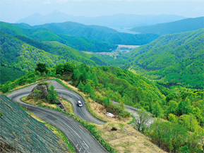 東鉢山七曲り 西吾妻スカイバレーを巡る峠ドライブ 山形県おすすめのドライブルート
