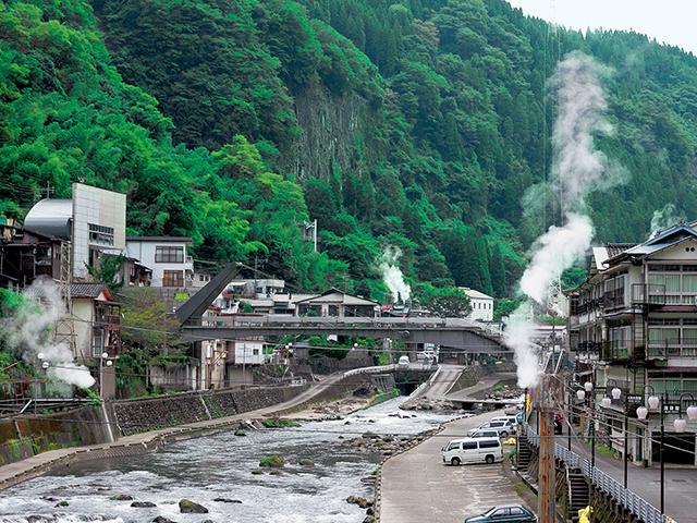 黒川温泉、杖立温泉を巡る 熊本・小国ドライブルート
