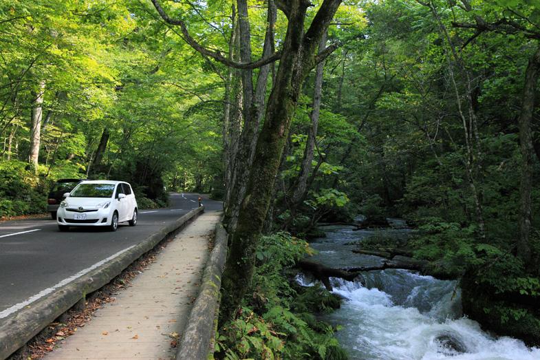 神秘的な湖と美しい渓流、そして点在する名湯を巡る絶景ドライブルート