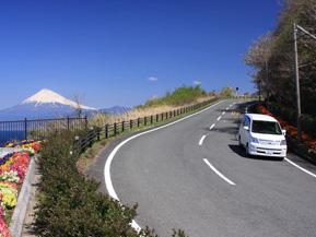 絶景ドライブルート 駿河湾越しに富士山を望むシーサイドロード 静岡県沼津市
