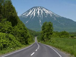 絶景ドライブルート 蝦夷富士とよばれる名山、羊蹄山を望む絶景ロード 北海道京極町