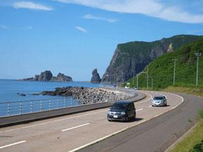 絶景ドライブルート シャコタンブルーの海が広がるシーサイドルート 北海道積丹町