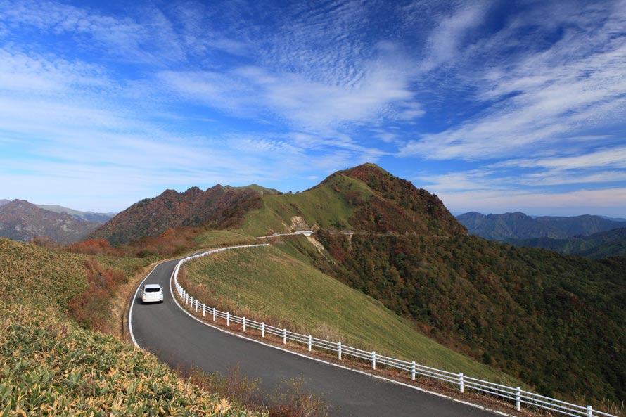 絶景ドライブルート 四国山脈の...