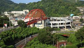 絶景ドライブルート 音戸の瀬戸に架かる2つの赤いアーチ橋 広島県呉市