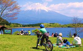 雄大な富士山の絶景と豊かな自然を満喫できる!田貫湖へドライブ 静岡県富士宮市