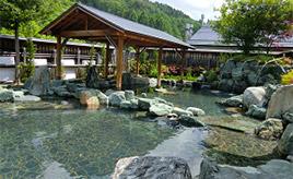 自慢は開放感溢れる庭園露天風呂!道の駅併設の美人の湯へ行こう 長野県平谷村