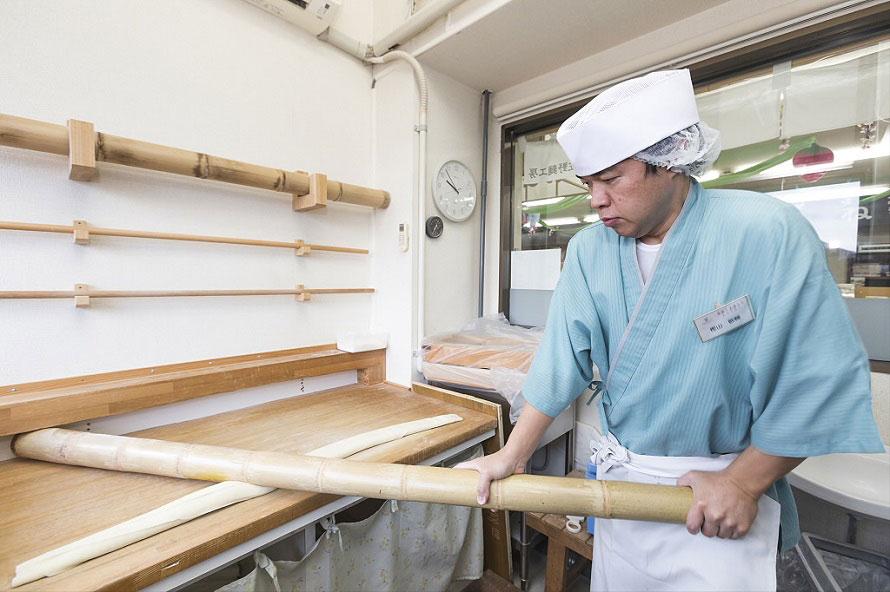竹での麺打ちを見たあとは、その麺を使った佐野ラーメンを食べてみよう。