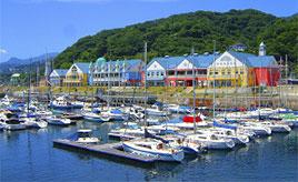 マリンリゾート気分を満喫!海辺の道の駅で温泉&伊豆の味を楽しもう 静岡県伊東市