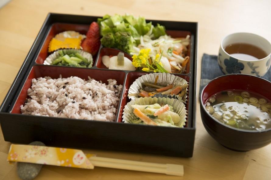 1日20食限定のランチはワンコイン500円。