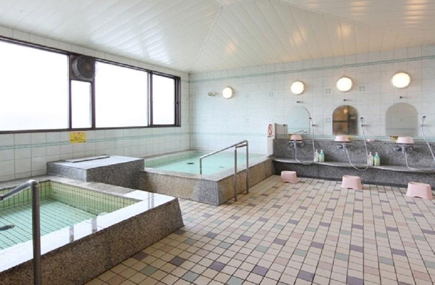 日帰り入浴ができるレストイン多賀の入浴施設。営業時間は12時~翌日10時。