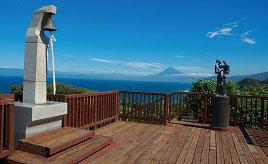 駿河湾の彼方に富士山の絶景を望む!恋人たちの聖地・恋人岬 静岡県伊豆市