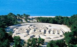 砂浜に描かれた巨大な「寛永通宝」を見ればお金に恵まれ長生きできる⁉ 香川県観音寺市