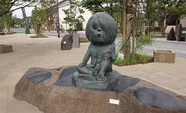 ライトアップされた妖怪は怪しさ満点!新たな水木しげるロードを散策 鳥取県境港市