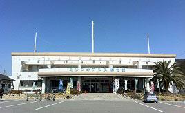 伯方の塩をソフトクリームに!?さまざまな施設がそろう道の駅へドライブ 愛媛県今治市