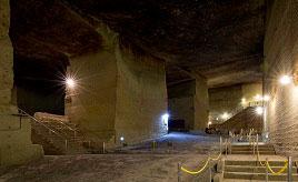 まるで地下に造られた巨大神殿!大谷石の採掘場跡を見学しよう 栃木県宇都宮市