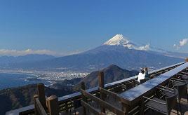 ロープウェイで空中散歩!富士山と駿河湾を一望する天空のテラス 静岡県伊豆の国市