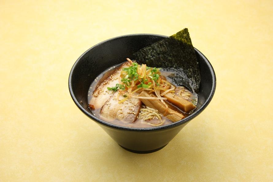 「仙台味噌ラーメン」800円(税込)は、赤味噌独特のコクがありながらも、すっきりとした味わい。こだわりの細麺とも相性が良く、「仙台味噌」の風味を堪能できる。