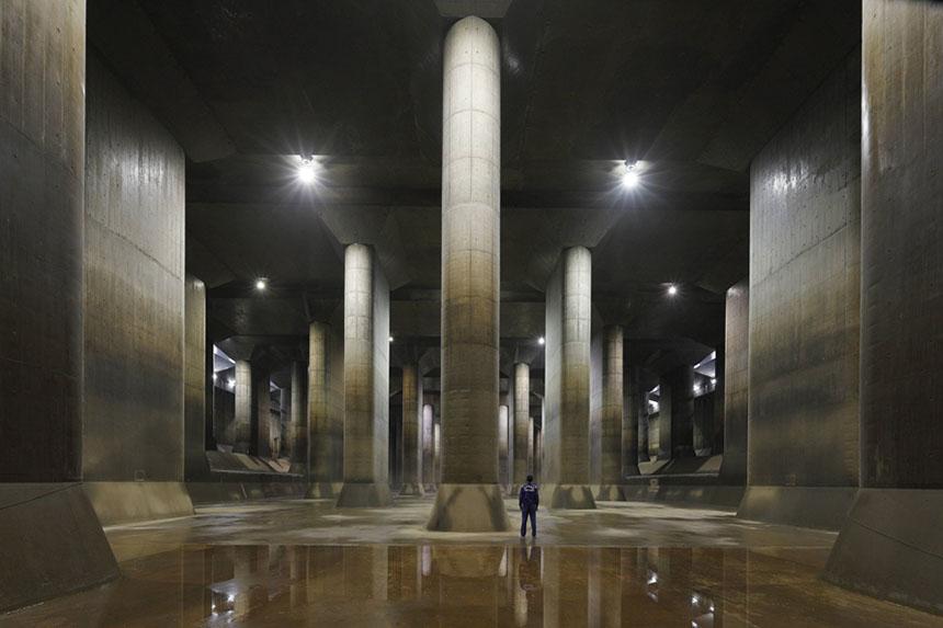 巨大な地下神殿に圧倒される!世界最大級の地下放水路を見学しよう ...