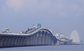海底と海上を走る珍しい道路~東京湾アクアライン~